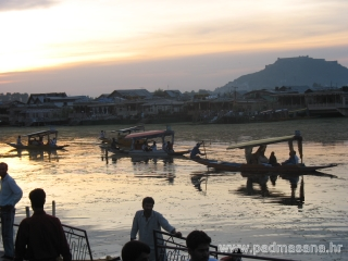 After sun set (Dal Lake)
